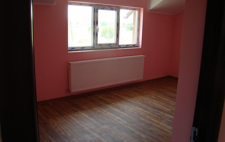 casa bran dormitor roz