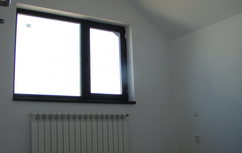casa joita 1 dormitor etaj