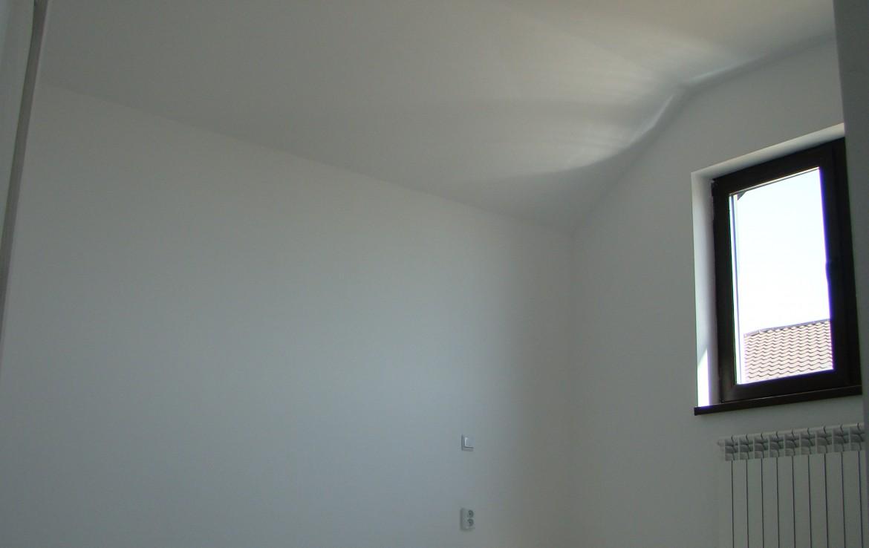casa joita 1 dormitor mare etaj
