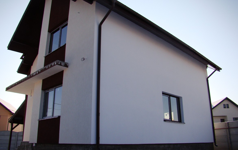 casa Joita 5 geam living
